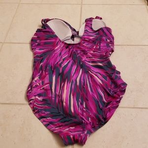 croft & barrow Swim - Croft & Barrow slimming swimsuit. Size 16.